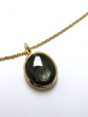 Hanger - geel goud-  zwarte saffier cabochon slijpsel